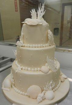 ... cakes & Cupcakes on Pinterest  Ocean Cakes, Beach Wedding Cakes and