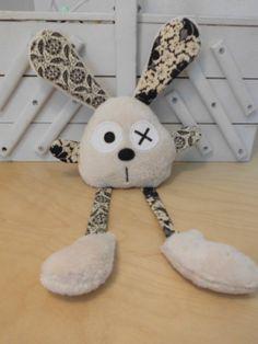 Doudou lapin grandes pattes - écru fleuri : Jeux, peluches, doudous par melomelie