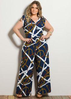 Macacão Pantalona Decote V Estampado Plus Size - Posthaus