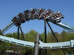 Air, Alton Towers~the closest to flying you will get without actually flying. Roller Coaster Pictures, Roller Coasters, Alton Towers Rides, British Holidays, Thorpe Park, All Ride, Visit Britain, British Travel, Parks