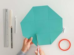 The ultimate step-by-step guide for your first explosion box - part 1 - The ultimate step-by-step guide for your first Explosi – Suzu Papers - Graduation Balloons, Graduation Day, Graduation Pictures, Explosion Box Tutorial, Origami Diy, Diy Wand, Diy Tumblr, Heart Template, Presents For Boyfriend