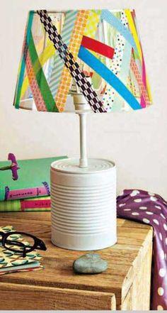 Lámpara decorada con cinta washi tape