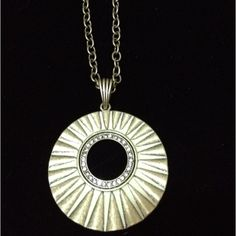 I love the Lumen necklace! I wear it all the time! Goes great with the new Sunbeam earrings. www.liasophia.com/mitzihuizingh