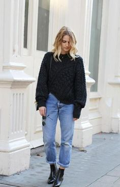 winter outfit inspiration - oversized chunky knit sweater + cuffed boyfriend jeans and ankleboots