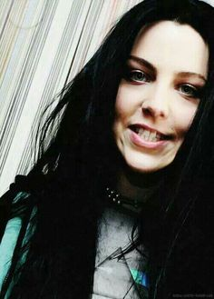 Amy Lee ❄️ will eat you alive Most Beautiful Women, Simply Beautiful, Amy Lee Evanescence, Snow White, Female, Celebrities, Fandom, Ap Art, Queen