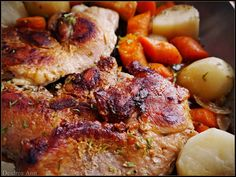 NO TIME TO DEFROST MEAT FOR SUPPER? No problem, here's a freezer to table recipe for the best pork chops in an electric skillet!  #electric skillet #easy recipe #pork chops   http://suzyhomefaker.blogspot.com/2013/11/frozen-pork-chops-in-electric-skillet.html