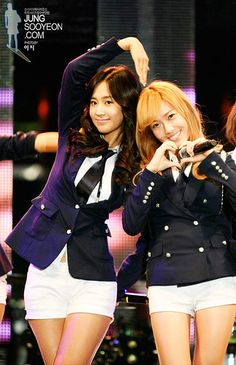 Look how in tune they are with each other... lol #Yulsic #Meanttobe #JungSooyeoncom