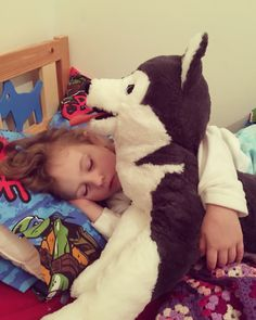 My daughter loves Husky 😍 My Photo Album, Daughter Love, Husky, My Photos, Husky Dog