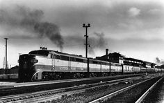 Brand-new Alco PAs lead SP's Cascadian – still all-Pullman at the time of this summer 1949 photo – out of Street Station, Oakland. Lake Merritt Oakland, Railroad Industry, East Bay Area, Lionel Train Sets, Train Vacations, Bay Photo, Old Trains, The Old Days, Train Rides