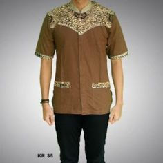 baju koko batik pekalongan African Men, African Beauty, Couples Modeling, Hotel Uniform, Batik Fashion, Couple Outfits, Muslim, Shirt Designs, Men Casual