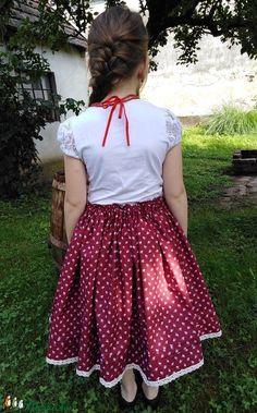 PIROS RÓZSA-szoknya (Barnabe) - Meska.hu Skater Skirt, Diy, Fashion, Do It Yourself, Moda, Bricolage, Fashion Styles, Skater Skirts, Handyman Projects