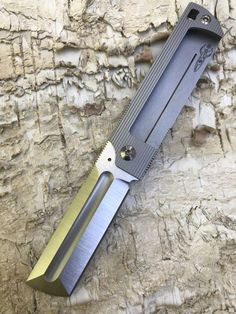Cool Knives, Knives And Swords, Zombie Plan, Pocket Knives For Sale, Edc Knife, Knife Sheath, Knife Making, Folding Knives, Survival Gear