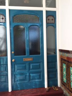 Grove Mansions front door - style/colour check