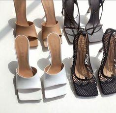 iconic fashion on – shoes. Gold High Heel Sandals, High Heels, Shoes Heels, Hot Shoes, Black Sandals, Luisa Lion, Mode Chanel, Bag Women, Espadrilles