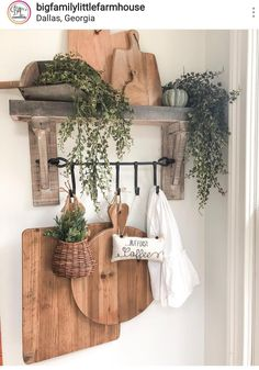 106 wall decor inspiration best ideas how to living room wall decor 22 Country Farmhouse Decor, Farmhouse Kitchen Decor, Modern Farmhouse, Farmhouse Style, Country Kitchen, Dining Room Wall Decor, Room Decor, Diy Home Decor, Sweet Home