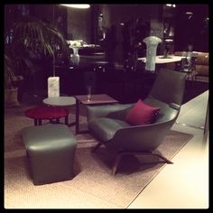 Ermes armchair with puoff