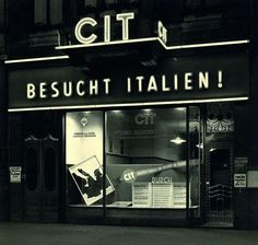 "Hugo Schmolz, Official Italian Travel Agency, Cologne, 1938 - says ""Visit Italy"""