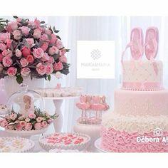"""Que bolo tão perfeito! Regrann @mariaemariadecor #festejandoemcasa #bailarinafestejandoemcasa"""