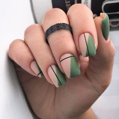 Simple Line Nail Art Designs You Need To Try Now line nail art design, minim. - Simple Line Nail Art Designs You Need To Try Now line nail art design, minimalist nails, simple - Square Nail Designs, Nail Art Designs, Nails Design, Striped Nail Designs, Green Nail Designs, Short Nail Designs, Simple Nail Designs, Stylish Nails, Trendy Nails