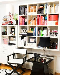 Chic Office or mini-library idea for your space? #supasistalatina #latina Hook it up!