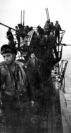 Survivors of sunk by a Coastal Command Halifax after striking a magnetic mine in the Bay of Biscay crowd the deck of August 12 1944 Naval History, Military History, Bay Of Biscay, German Submarines, Ww2 Photos, Military Photos, Armada, German Army, Historical Pictures