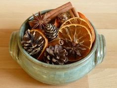 How to Make Potpourri - Easy Recipe for Making Homemade Potpourri How To Make Potpourri, Homemade Potpourri, Potpourri Recipes, Fall Potpourri, Dried Orange Slices, Dried Oranges, Dried Fruit, Christmas Holidays, Christmas Crafts