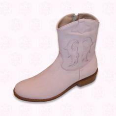 Reizende Cowboy halbhohe Stiefel aus Wildleder und ausgeschnittenen und genähten Lederzeichnungen. Alles echtes Leder, genähte Ledersohle. Erhältlich in weiß und rosa.  118,97 €