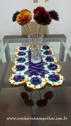 crochelinhasagulhas: Caminho de mesa em crochê com flor mosquitinho