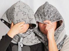 Tutoriales DIY: Cómo hacer una bufanda con capucha vía DaWanda.com