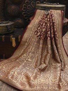Banarsi Saree, Georgette Sarees, Handloom Saree, Silk Sarees, Stylish Sarees, Stylish Dresses, Red Saree Wedding, Sari Dress, Dupion Silk