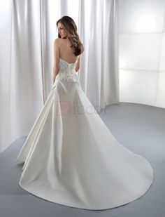❀ Appliques Strapless Chapel Train Satin Wedding Dresses   Riccol ❤