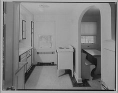 1920s Farmhouse Kitchen | 1920s/1930s kitchen from Library of Congress | Flickr - Photo Sharing!