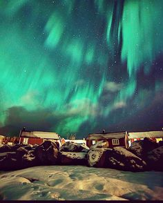Northern Lights in Reine, Norway. By Şefik Ormancıoğlu (Leon) (@pearlcyprus)
