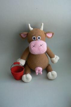 Návod na háčkovanou kravičku Janičku Nabízím vlastní návod na háčkovanou kravičku Janičku (cca 31 cm)