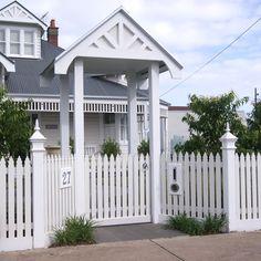 Garden Gates and Fences Picket Fence Gate, Arbor Gate, Garden Gates And Fencing, White Picket Fence, Wood Fence Design, Gate Design, Front Yard Fence, Front Gates, Cabana