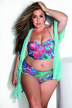 No SPFW, a top Flúvia Lacerda dá dicas de moda plus size