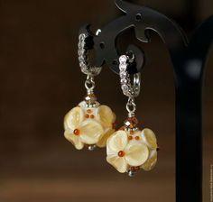 """""""Сливочная помадка"""" Сережки из муранского стекла в нежных оттенках."""