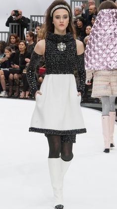 Chanel - Fall 2017 Ready-to-Wear