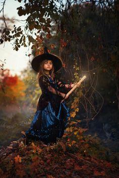 Halloween Photography, Victorian, Dresses, Fashion, Vestidos, Moda, Fashion Styles, Dress, Fashion Illustrations