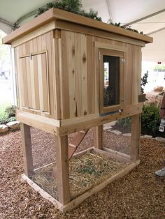 design i'm after! scratching yard at base, home at top. perfect for my small yard! want...need....must have!