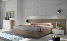 Dormitorio de matrimonio con cama, dos mesitas, cómoda y espejo Bedroom Bed Design, Bedroom Furniture Design, Bed Furniture, Home Decor Furniture, Bedroom Colors, Modern Bedroom, Luxury Rooms, Luxurious Bedrooms, Luxury Bedding