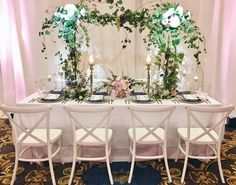 Our White French Country Chairs and this gorgeous floral made such a pretty sight! Many thanks to @yourrunwayevent for involving us in this shoot!