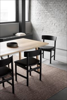 The 3236 Chair reflects Mogensen's preference for working with refined yet rustic, natural materials. Dining Area, Kitchen Dining, Dining Chairs, Solid Oak Table, Wood Surface, Leather Furniture, Chair Design, Stools, A Table