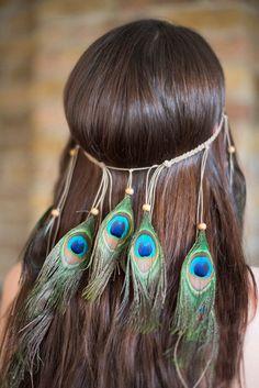 Boho Festival Peacock Feather Headpiece - Bohemian Style on Wishopoly Peacock Hair, Peacock Jewelry, Feather Jewelry, Peacock Feathers, Green Peacock, Peacock Dress, Bohemian Hairstyles, Hat Hairstyles, Pfau Make-up