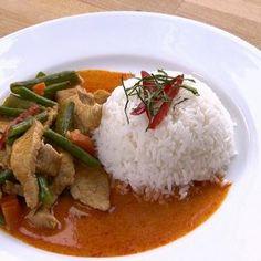 Herkullinen thaimaalainen Panang curry lämmittää - TS Ruoka