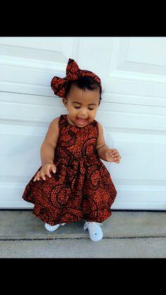 robe de fille de bébé
