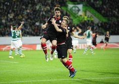 The LB scores! Jon Aurtenetxe celebrates scoring Athletic's lone goal against Sporting. From El Correo.