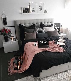 New room decor dorm bedroom ideas diy projects ideas Dream Rooms, Dream Bedroom, Home Bedroom, Bedroom Black, Bedroom 2018, Room Decor Bedroom Rose Gold, Master Bedrooms, Black Bedrooms, Black And Grey Bedding
