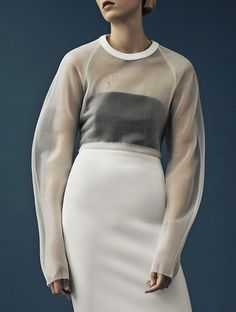 #Mugler #Resort 2015 #style #trends2015 #White #minimal #oversized #layers #tendencias2015 #minimalista #tranparencia