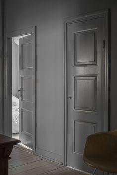 Home Decorators Collection Lighting 1930s House Interior, Grey Interior Doors, Flat Interior, Grey Doors, Modern Interior Design, Interior Paint, Painted Closet, Grey Hallway, Dark Grey Walls